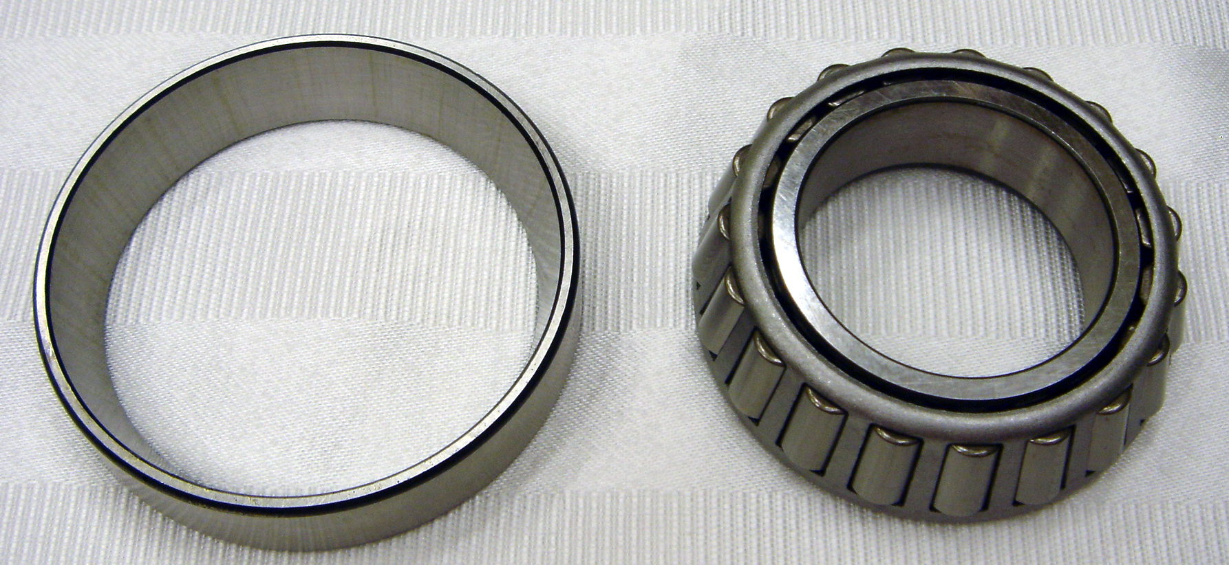 24-10041 Inner Wheel Bearing And Race